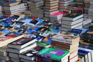https://pixabay.com/en/flea-market-books-box-browse-read-237460/